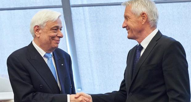 Εύσημα Γιάγκλαντ στον Παυλόπουλο για τη στάση της Ελλάδας στο μεταναστευτικό