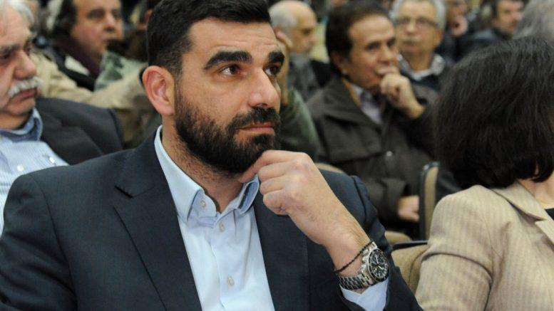 Επίθεση από ομάδα ακροδεξιών στον Πέτρο Κωνσταντινέα στην Καλαμάτα: Τραυματισμένος στο νοσοκομείο