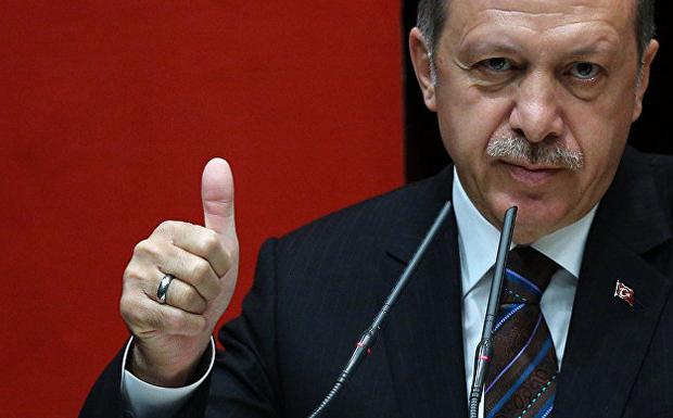 Τι κρύβουν οι ξαφνικές χάρες προς τον Ερντογάν;