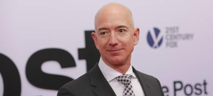 Ασύλληπτο: Ο Τζεφ Μπέζος της Amazon κερδίζει πάνω από 11 εκ. δολάρια την ώρα!