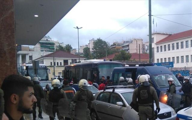 Μαλακάσα: Ένας νεκρός και οκτώ τραυματίες από συμπλοκή μεταναστών στο hotspot