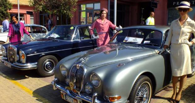 Έκθεση ιστορικών αυτοκινήτων στο Φλοίσβο