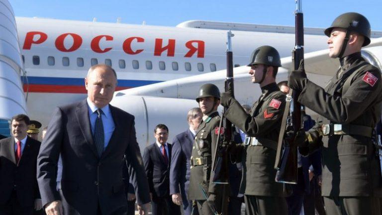 Στο ίδιο τραπέζι Ερντογάν, Πούτιν, Μακρόν και Μέρκελ: Σκληρό παζάρι στα αποκαΐδια της Συρίας