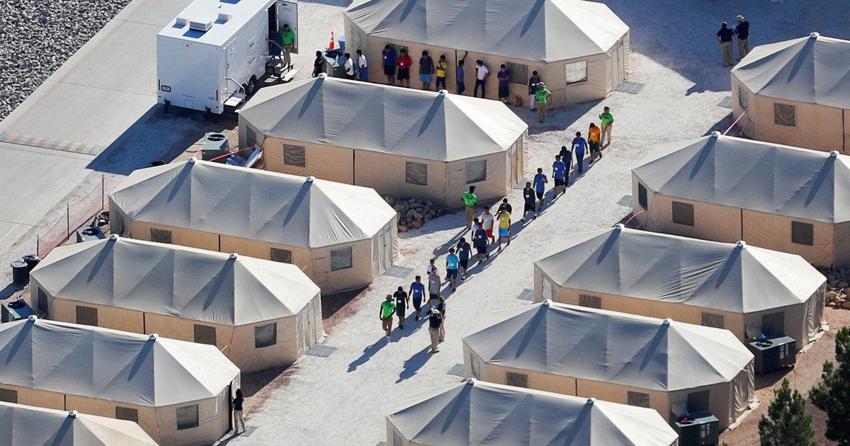 Στρατόπεδα συγκέντρωσης στη μέση της ερήμου για τα παιδιά των μεταναστών!