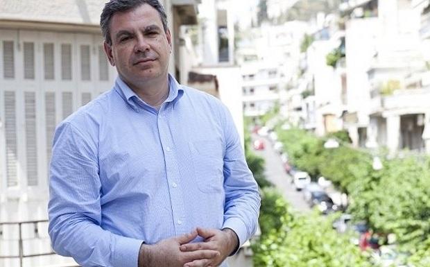 Υπέρ της μείωσης των συντάξεων είναι ο γενικός διευθυντής του ΙΟΒΕ Νίκος Βέττας