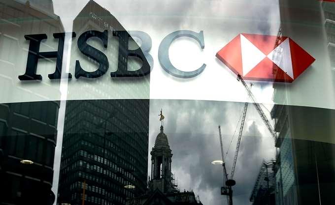 HSBC: Εξανεμίζεται η εμπιστοσύνη των επενδυτών στις ελληνικές τράπεζες
