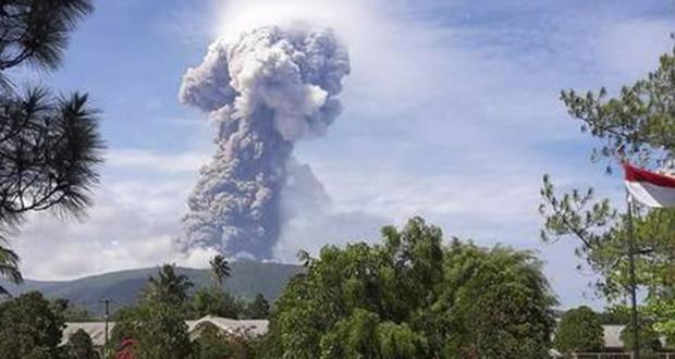 Ινδονησία: μετά το σεισμό και το τσουνάμι … ήρθε και έκρηξη ηφαιστείου! (βίντεο)