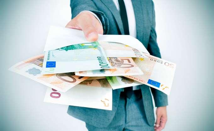 """Ποιο """"μοντέλο"""" δέχεται η DGCom για κρατική εγγύηση στις τράπεζες"""