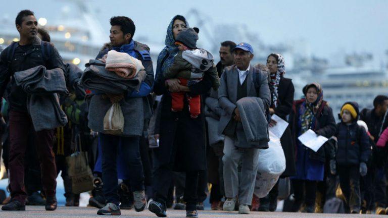 Κλείνει η Μόρια, φρένο στις ΜΚΟ, δημιουργούνται 5 κλειστά κέντρα των 5.000 ατόμων: Όλο το σχέδιο