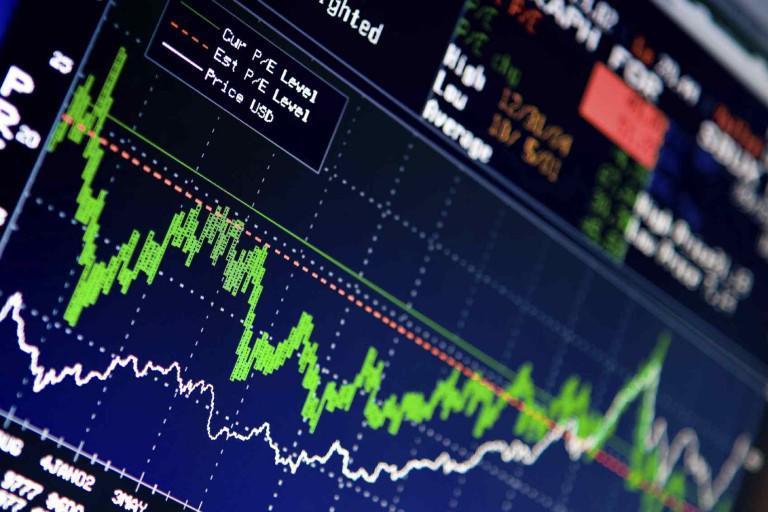"""""""Καταρρέουν"""" οι τράπεζες, βουτιά άνω του 11% στο Χρηματιστήριο Αθηνών"""