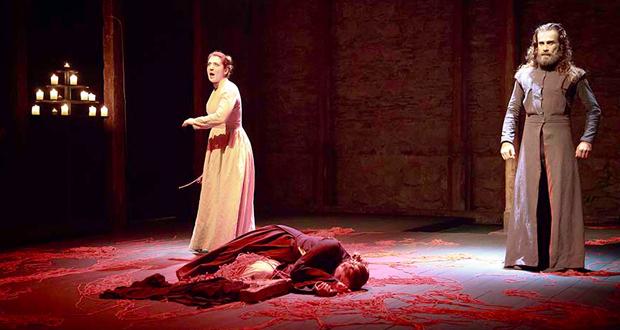 """Θέατρο ΣΦΕΝΔΟΝΗ: Το κοινό καταχειροκρότησε την επίσημη πρεμιέρα της παράστασης """"Ερωφίλη project"""""""