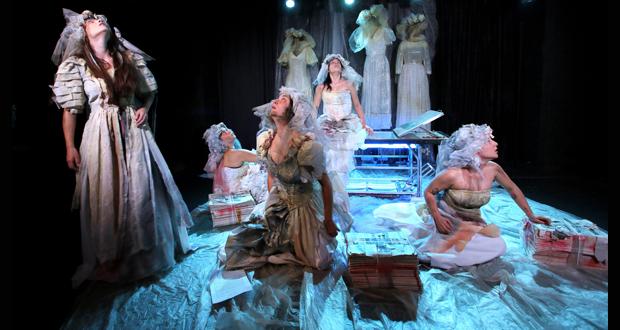 """Πολυχώρος VAULT THEATRE PLUS: """"Γυναίκες από χώμα"""" από τη θεατρική ομάδα Ανδρομέδα"""