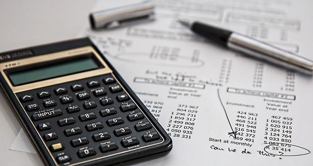 Υπεγράφησαν οι πρώτες αποφάσεις για διαγραφή οφειλών στα Ταμεία – Ποιους αφορούν
