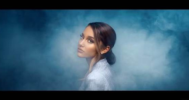 ARIANA GRANDE: BREATHIN – Νέο βίντεο κλιπ