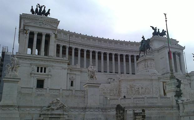 Χρ. Μπότζιος: Γιατί είναι ανησυχητική η άνοδος της Ακροδεξιάς στην Ιταλία