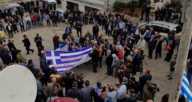 Αυτή την ώρα η κηδεία του Κωνσταντίνου Κατσίφα – ΒΙΝΤΕΟ