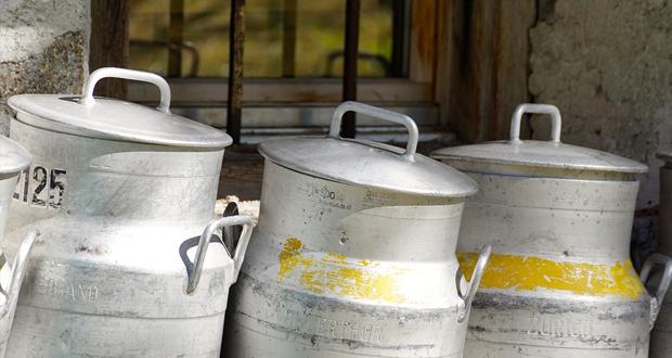 Σε διαβούλευση η ΚΥΑ για τον έλεγχο της αγοράς γάλακτος – Τι προβλέπει