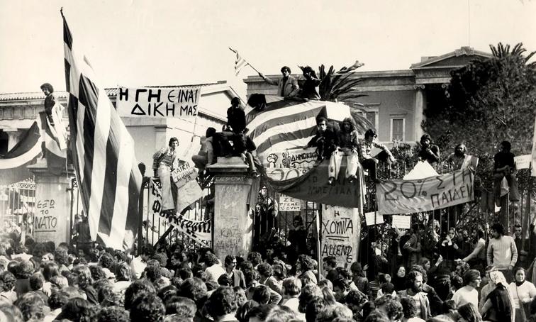 Ν. Στραβελάκης: Το τέλος της Μεταπολίτευσης και ο λαϊκός παράγοντας