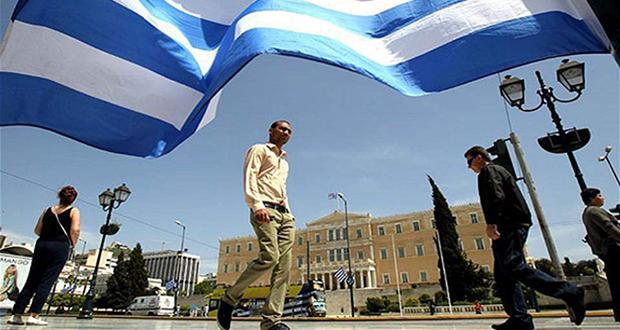 ΣΕΒ: Ενας Ελληνας παράγει το εισόδημα που καταναλώνουν τρεις