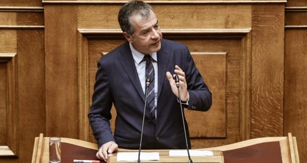 Θεοδωράκης: Ο τόπος έχει ανάγκη από ένα νέο Σύνταγμα, χωρίς αναχρονιστικές διατάξεις και λαϊκισμούς (βίντεο)