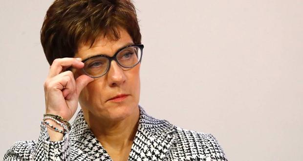 Ανεγκρέτ Κραμπ-Καρενμπάουερ: Η νέα επικεφαλής του CDU είναι πιο δημοφιλής από τη Μέρκελ