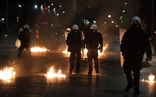 Επεισόδια σε Αθήνα και Θεσσαλονίκη μετά τις πορείες για τον Αλέξανδρο Γρηγορόπουλο