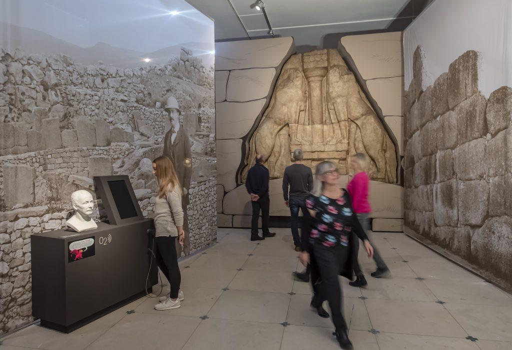 ARTIS-Uli Deck// 24.11.2018 Badisches Landesmuseum Karlsruhe, BLM, Ausstellung - Mykene - Die sagenhafte Welt des Agamemnon - Große Sonderausstellung vom 1.12.2018 - 2.6.2019, im Schloss Karlsruhe<br /> www.artis-foto.de<br /> -ARTIS-ULI DECK Werrabronner Strasse 19<br /> 76229 KARLSRUHE<br /> TEL: 0049 (0) 721-84 38 77<br /> FAX: 0049 (0) 721 84 38 93<br /> Mobil: 0049 (0) 172 7292636<br /> E-Mail: deck@artis-foto.de