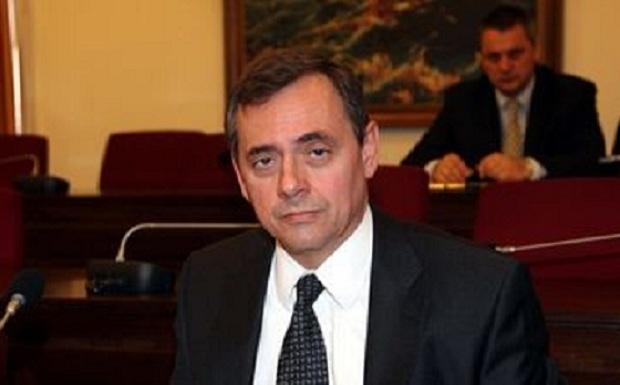 Ένας ακόμη εξαιρετικός διπλωμάτης εγκαταλείπει τη Διπλωματική Υπηρεσία