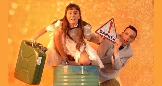 "Cabaret Voltaire: ""Μπαρόβιοι Αστροναύτες"" της Σίλιας Κατραλή Μινωτάκη"