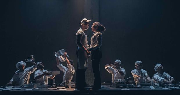 Θέατρο Αποθήκη: «H KOYZINA» του Arnold Wesker συμπλήρωσε τις 100 παραστάσεις και συνεχίζεται έως την Κυριακή 17 Φεβρουαρίου