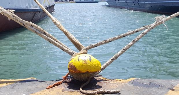 Νέο κύμα κακοκαιρίας με θυελλώδεις ανέμους και βροχές – Απαγόρευση απόπλου από τον Πειραιά – Τι συμβαίνει με το λιμάνι του Λαυρίου