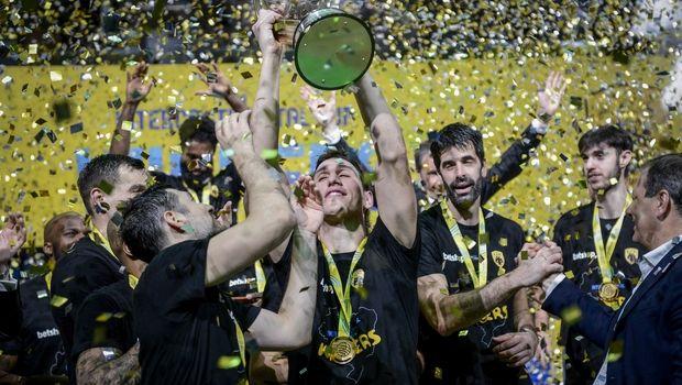 ΠΑΓΚΟΣΜΙΑ ΑΕΚ – Κατέκτησε το Διηπειρωτικό Κύπελλο!