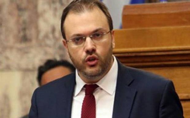 Όλα τα καταφέρνει ο Θεοχαρόπουλος…
