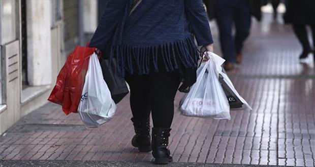 ΙΕΛΚΑ: Ουσιαστική απαλοιφή της λεπτής πλαστικής σακούλας μεταφοράς στα σουπερμάρκετ το 2021