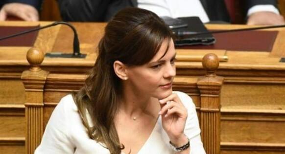 Έφη Αχτσιόγλου: «Η Κομισιόν προωθεί μέτρα για νοικοκυριά και επιχειρήσεις ενάντια στην ενεργειακή κρίση, ο κ. Μητσοτάκης αδιαφορεί»