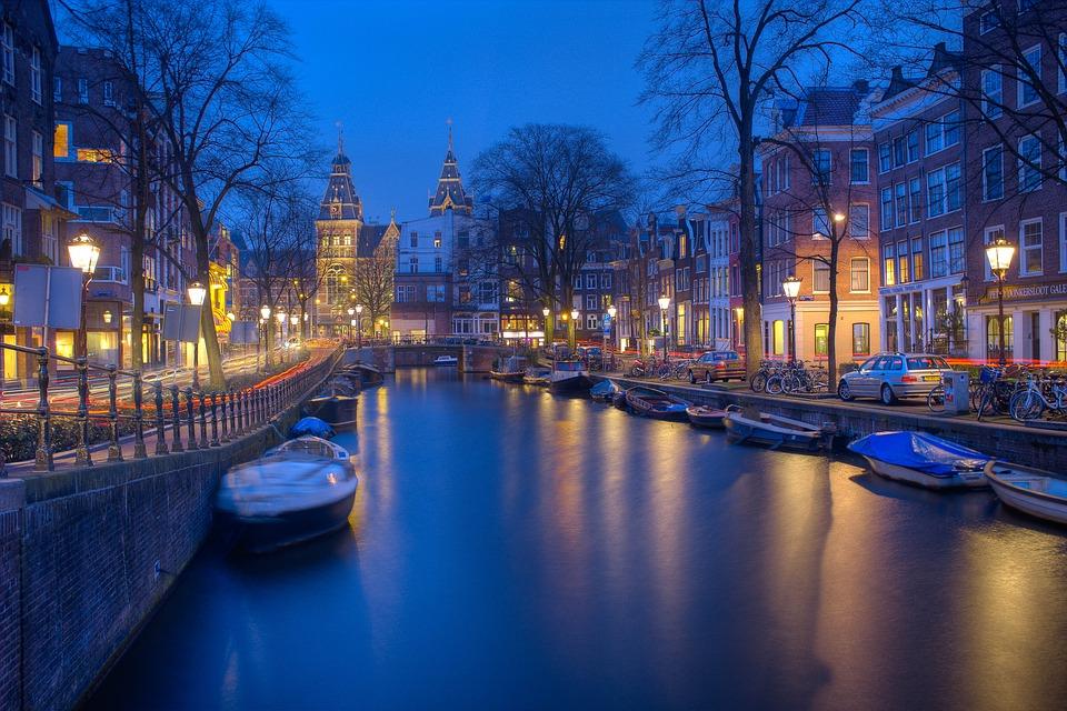 Άμστερνταμ: STOP στον τουρισμό!