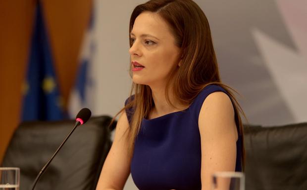 Αχτσιόγλου: Ο κ. Μητσοτάκης μίλησε καθαρά για θέσπιση επταήμερης εργασίας – Η Ν.Δ. προσπάθησε μετά να μαζέψει τα ασυμμάζευτα!