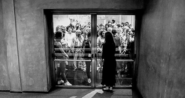 """Ομαδική Φωτογραφική Έκθεση: """"Μαγική Αυλή"""" των ομάδων ΦωτοΔυτικά & 443 Photographica στην Blank Wall Gallery"""