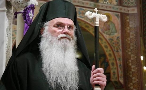 Ο Μητροπολίτης Μεσογαίας Νικόλαος λέει για την αφή: «Δεν θα μου ήταν παράξενο το Άγιο Φως να βγαίνει μόνο του, όπως ο Χριστός αναστήθηκε»