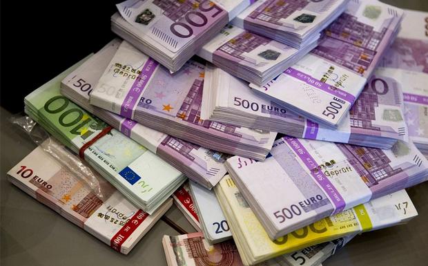 Μέχρι το 2026 πρέπει να έχει απορροφήσει 31 δισ. ευρώ η χώρα