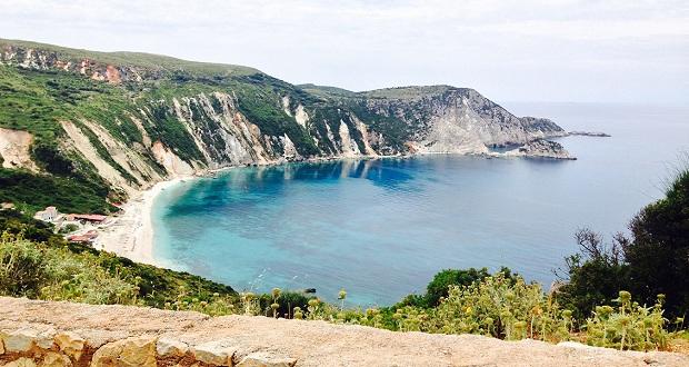 Σύμφωνα με το Travellers' Choice Awards, Πετανοί και Μύρτος, δύο απ' τις καλύτερες ελληνικές παραλίες