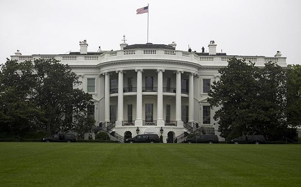 LIVE: Απευθείας σύνδεση με τον Λευκό Οίκο – Συνάντηση Μητσοτάκη – Τραμπ