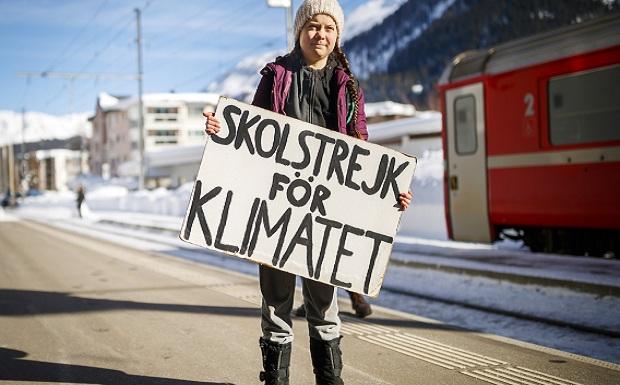 Τη λένε Γκρέτα Τούνμπεργκ και είναι η μικρότερη ακτιβίστρια στον κόσμο