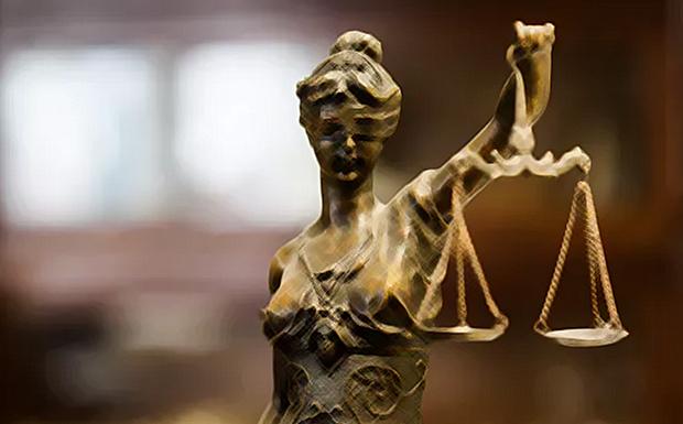 Όμηρος της Novartis η Δικαιοσύνη