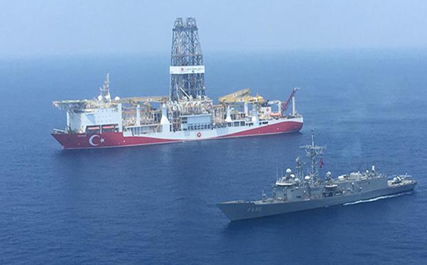 «Cumhuriyet»: «Πορθητής» και «Γιαβούζ»σταματούν! Γιατί αποσύρει τα γεωτρύπανά της η Τουρκία;