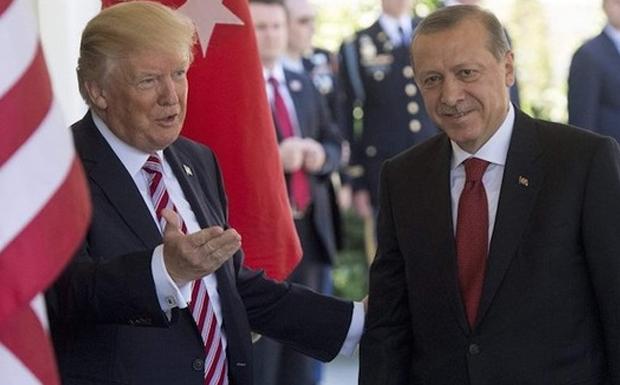 """Διαβάστε στο """"Π"""": Στην κόψη του ξυραφιού οι σχέσεις Ηνωμένων Πολιτειών και Τουρκίας"""