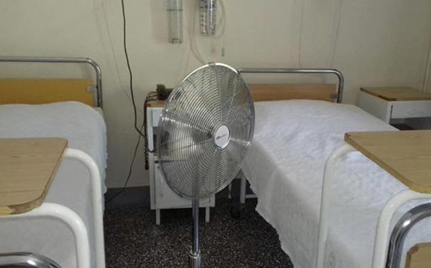 Εν μέσω καύσωνα, «βράζουν» οι ασθενείς στα δημόσια νοσοκομεία