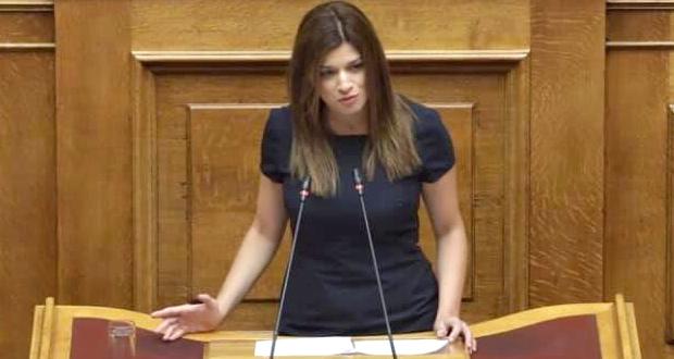 """Νοτοπούλου: """"Κυβέρνηση Τουριστών"""" – Η πραγματικότητα ωστόσο τους διαψεύδει"""