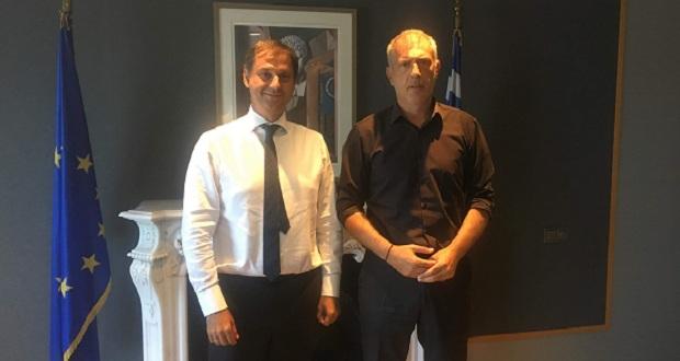 Συνάντηση δημάρχου Πειραιά Γ. Μώραλη με τον υπουργό Τουρισμού Χ. Θεοχάρη