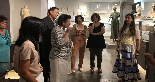 Αυτοψία της υπουργού Πολιτισμού στο πωλητήριο του Εθνικού Αρχαιολογικού Μουσείου